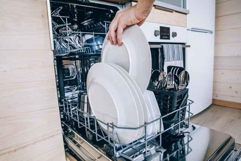 Spülmaschine einräumen Anleitung