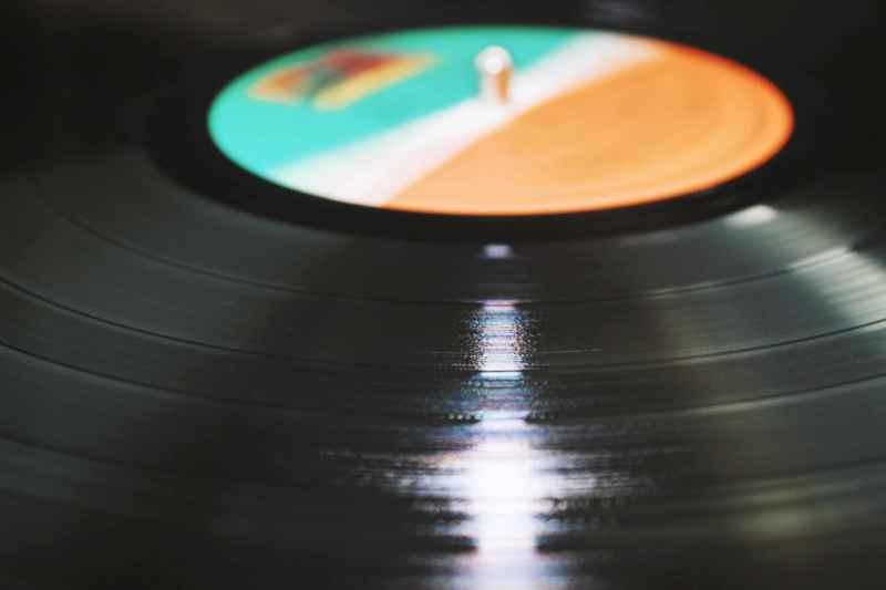 Schallplatten entsorgen: In den Müll oder verkaufen?