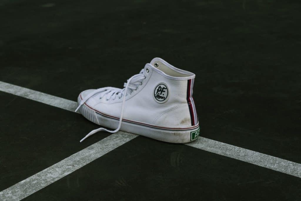 Grasflecken an Schuhen