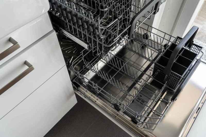 Spülmaschine entkalken: Diese Hausmittel helfen!