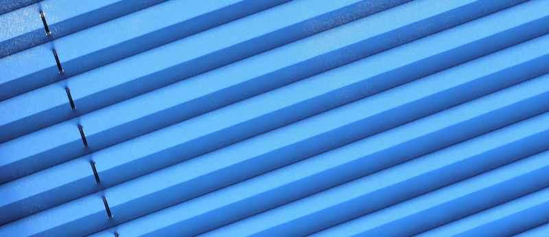 blaues Plissee
